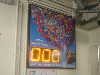 Disney - nombre de jours sans accident -3 digit 16cm